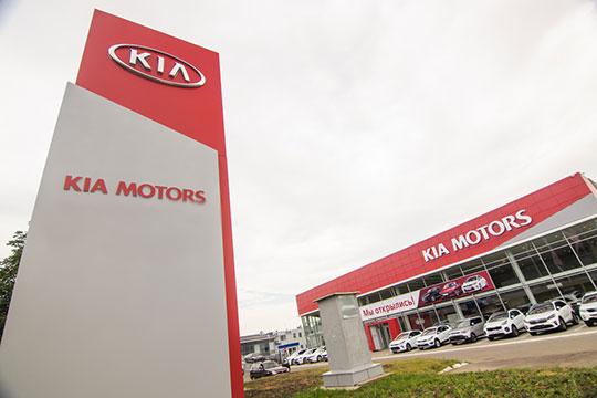 Пока снижался спрос наседаны, KIA вывел нарынок очередное, четвертое посчету поколение среднеразмерного кроссовера Sportage, спрос накоторый загод вырос на444 до1604 авто