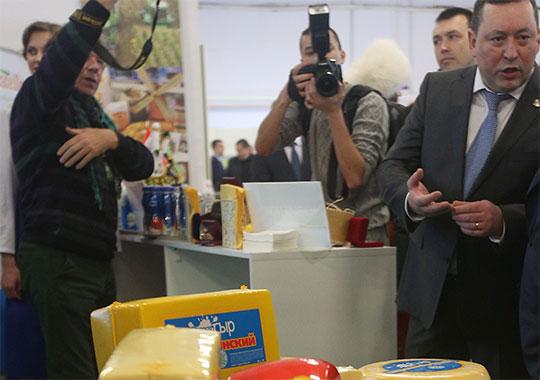Из новичков списка — «Азбука сыра» Марата Муратова, построившего свою небольшую молочную империю на обломках холдинга «Вамин»