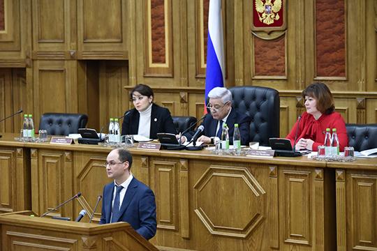 Олег Пелевиндал хорошо приправленную цифрами характеристику каждому изнациональных проектов и рассказал, сколько средств федеральный центр даст Татарстану