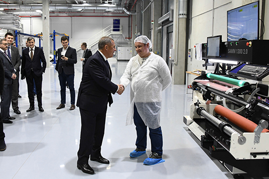 Одна изпроблем, возникшая при запуске чешского завода,— это дефицит рабочей силы иеевысокая стоимость