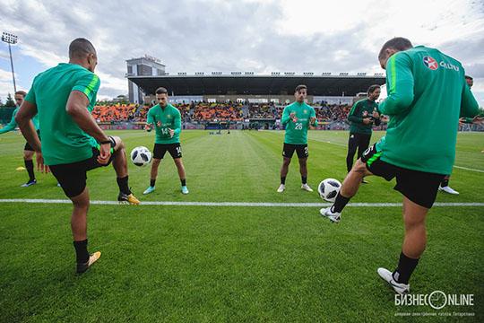 Тренировка сборной Австралии во время чемпионата мира на стадионе «Трудовые резервы» в Казани