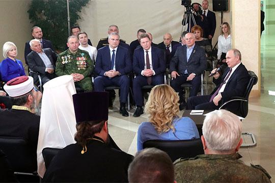 Из Балаклавы национальный лидер стремительно переместился в Симферополь, где в библиотеке имени Франко сосредоточилась крымская общественность