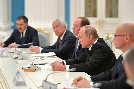 Отставка новой группы губернаторовпродолжила тенденцию замены губернаторов, пытавшихся опираться наместные элиты, «молодыми технократами»