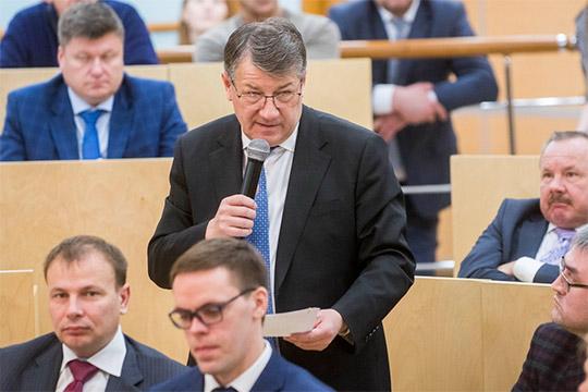Глава района поднял руководителя Завода им.СергоРадика Хасанова, назвав его «кормильцем», исообщил отом, что 21% доходов бюджета приходятотэтого предприятия