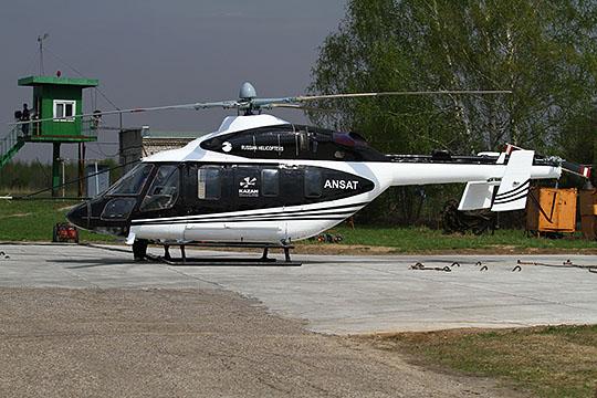 Пока что санкции заокеанских партнеров, видимо, не мешают укомплектовывать надежду КВЗ — вертолет «Ансат»