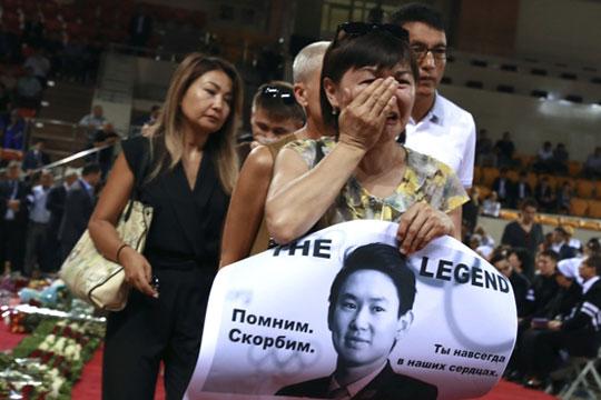 Третья история, которая заставила гражданское общество в Казахстане проявить себя, — убийство фигуриста Дениса Тена средь бела дня в центре Алматы