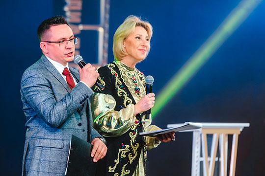 Без пяти минут лауреат Тукаевской премии Искандер Хайруллин вместе с известной российской актрисой Юлией Рутберг был ведущим фестиваля