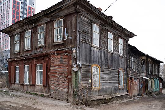 «УЗия Камали был еще доходный дом (на фото), который ондержал как гостиницу»
