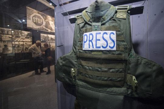 «Военная журналистика по сути дела находится рамках государственных СМИ. Отсюда и четкое государственное влияние на военную журналистику»