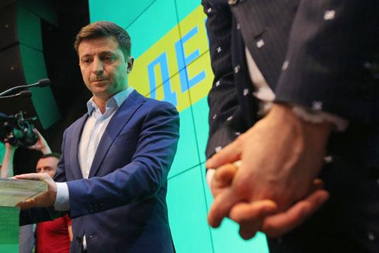 На этой короткой рабочей неделе российские анонимные Telegram-каналы активно обсуждали тот факт, что новоизбранный президент Украины, будучи в Турции, провел серию встреч с украинскими олигархами