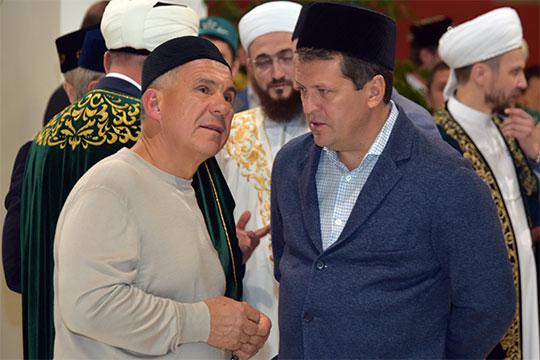 В этом году, самый массовый ежедневный ифтар будет проводиться в мечети «Ярдэм». По нашей информации, спонсорами трапезы здесь станут и сильные мира сего — Рустам Минниханов и Ильсур Метшин