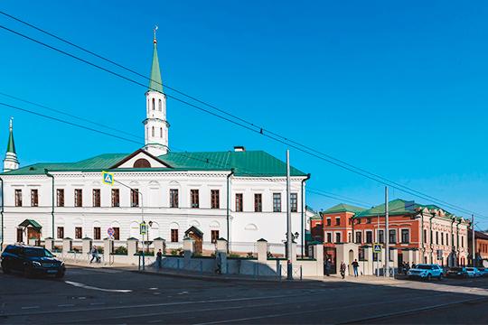 Главным местом празднования Ураза-байрам вТатарстане, как ивпрошлые годы, стала Галиевская мечеть в Казани