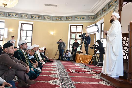 Камиль Самигуллин, пусть иосторожно, раскритиковал чиновников, которые вредят исламу