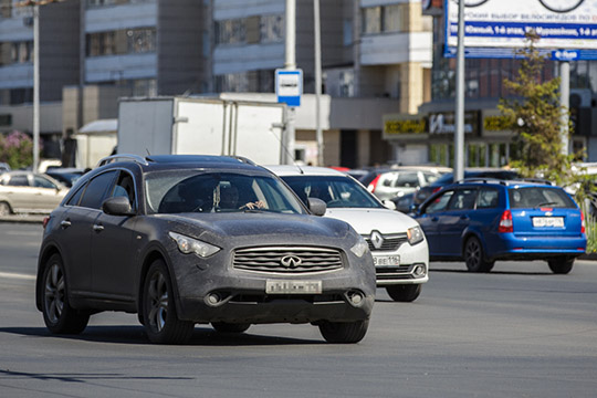 Новый легендарный QX70 уже не купить, но самый востребованный на «вторичке» автомобиль 2013 г. в. предлагают по цене от 1,4 млн рублей