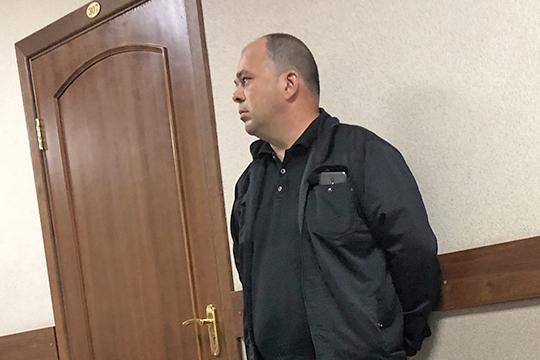 Прикарманивал липовые премии: как замначальника ОП«Авиастроительный» заработал наЧМ-2018