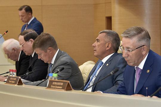 Рустам Минниханов: «Никаких вольностей не должно быть! В долг жить у нас не принято»