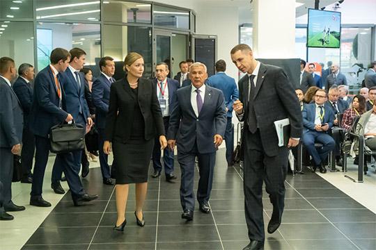 Отдохнувший ипосвежевшийРустам Минниханов принимал сегодня гостей из АСИ