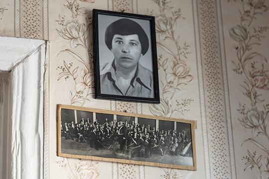 «Центральное место в моей памяти все же занимают мои родители — Газиз Айдарский и Сара Садыкова. Оба они таланты разноплановые, «многостаночники» от искусства»