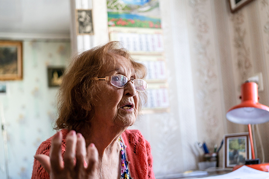«В последние годы жизни мама буквально вела борьбу за жизнь, за право человека трудиться в больном состоянии. Я очень давно предлагала ей обратиться к врачам — провериться, обследоваться. Всякий раз она откладывала»