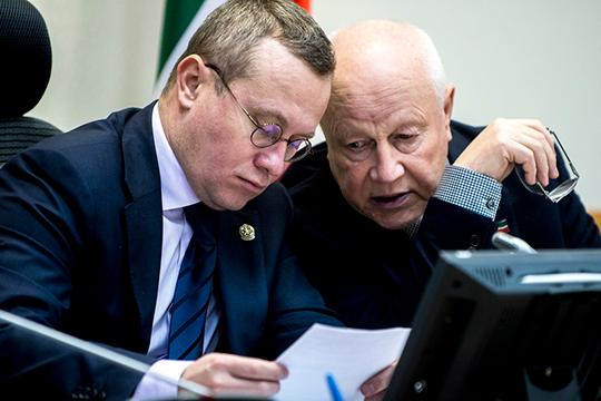 Ведомство Александра Груничева (слева) без решения сверху не вправе повысить размер компенсаций в одностороннем порядке