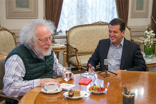 Мэр Казани Ильсур Метшин дал большое интервью главному редактору радиостанции «Эхо Москвы» Алексею Венедиктову