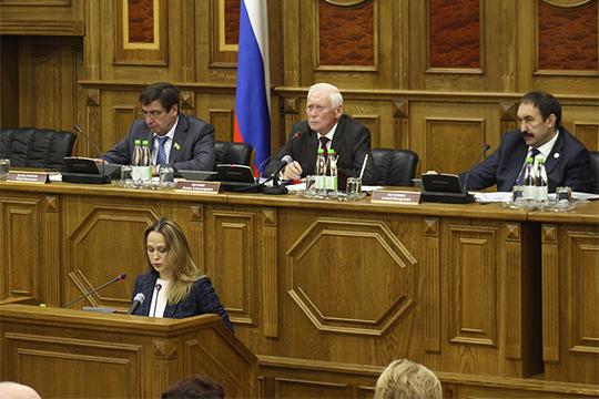 По словам Алсу Мифтаховой, доходы бюджета фонда в 2020 году прогнозируются на уровне 57,7 млрд рублей, что на 3,5 млрд рублей больше, чем в текущем году
