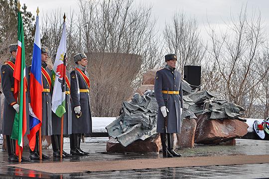 До начала прошлого года единственный в Казани памятник воинам-афганцам находился в Казани на пересечении улиц Сибгата Хакима и Декабристов