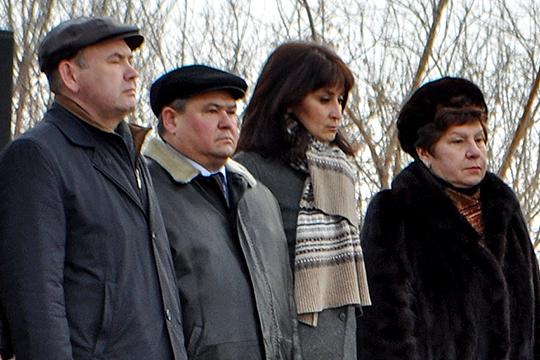 Евгений Кабыш (второй слева) считает, что даже если количество голосующих пока не велико, оно однозначно отражает мнение самих ветеранов и членов их семей
