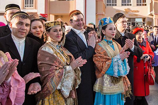 С недавнего времени. по мнению активистов татарской молодежи, стали происходить процессы, негативно влияющие на этнокультурное развитие татар в Башкортостане