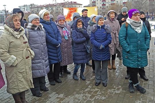 Спустя ровно неделю после «банного побоища» жители Дербышек провели сход граждан
