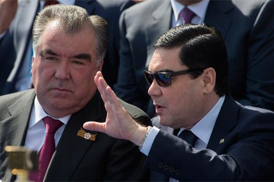 Эмомали Рахмон (слева) и Гурбангулы Бердымухамедов