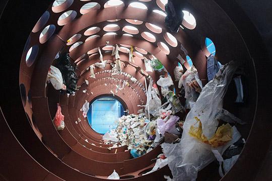 Издержки мусорной реформы имеют свою цену, икто-то еедолжен заплатить. Вданном случае известно кто— бизнес инаселение