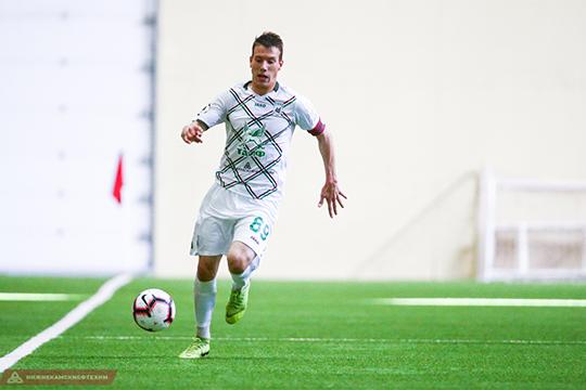 В 20 лет Михаил Яковлев впервые вышел за пределы молодёжного состава, и пока переход во взрослый футбол идёт для него непросто