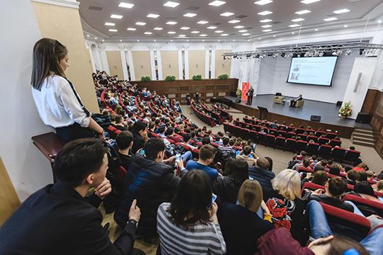 На пятерых студентов приходится один сотрудник вуза: при 51 тыс. обучающихся в КФУ, в штате университета 10 тыс. человек