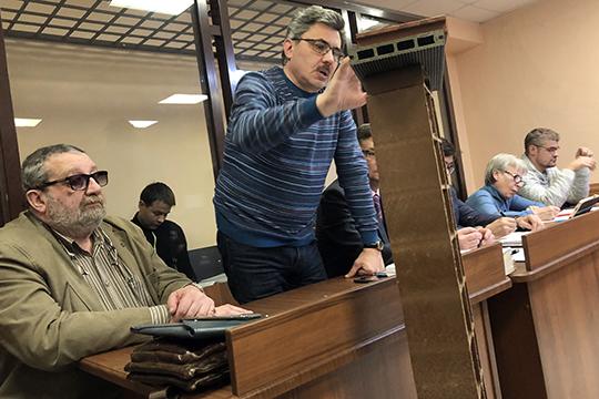 Всеволод Добрынин заявил ходатайство о приобщении досок и панели в качестве вещественных доказательств