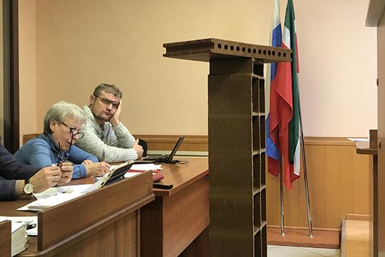 Принесли в суд и панель для нанодоски, которую, по словам Курчатова, нельзя купить ни в одном магазине мира