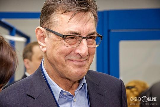 Одним из ключевых иностранных специалистов КАМАЗа является Ханс Петер Мозер, которому Сергей Когогин доверил программу реинжиниринга в части создания перспективного семейства автомобилей