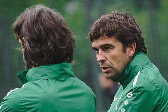 Мы не можем не вспомнить экс-главного тренера «Рубина» Эдуардо Докампо. Да, он покинул команду вместе с Романом Шароновым, но успел сделать для клуба очень многое