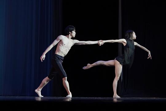 Донедавнего времени красой игордостью казанского балета были японцыМидори ТерадаиКоя Окава, заработавшие немало наград наразличных международных фестивалях
