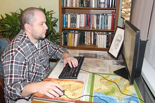 В Санкт-Петербурге вышел интересный двухтомник с интригующим названием «Царь Грозы». Автор «БИЗНЕС Online», экономист Рустам Курчаков пообщался с ее автором, медиевистом Иваном Москвитиным