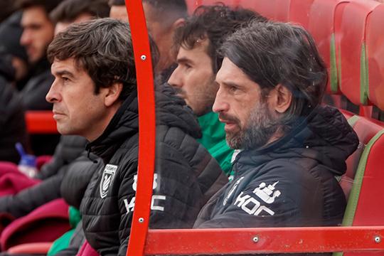 По нашим данным, с тренером точно уходит лишь Эдуардо Докампо, который занимал формальную должность главного тренера, так как у Шаронова не было лицензии Pro.