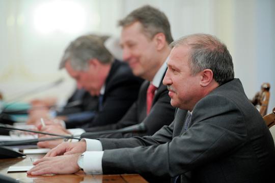 На 99,5% «Бегстар» принадлежит «Нетфегазхолдингу» экс-руководителя «Роснефти» Эдуарда Худайнатова, и, похоже, прописанная в Альметьевске компания выступает точкой сбора прибыли