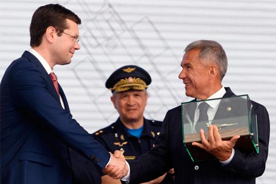 Вожидании «погрома Сердюкова»: 7 вызовов для КАЗа нафоне взлетающего Ту-160М