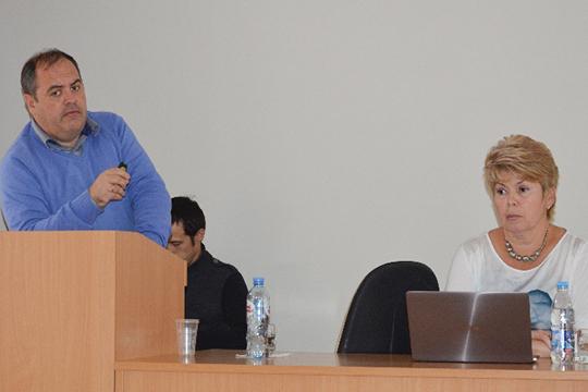 ДмитрийЛопушов: «То, счем мысталкиваемся сегодня,— это мутировавший короновирус, который приобрел новые свойства патогенности, вчастности, свойство быстро вызывать пневмонию тяжелой степени»