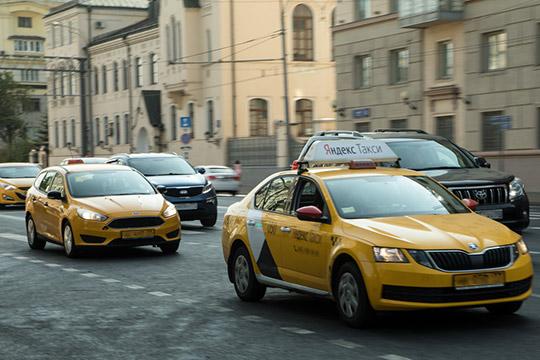 «Всего в такси заняты, по разным подсчетам, от 2 до 3 млн человек. Получается, что не менее половины рынка — нелегалы. Именно их надо мотивировать работать по закону, платить налогии»