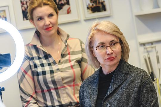 Как призналась хозяйка этого вечера, управляющий партнер компании «Соло-Центр» Ирина Вишнякова (слева), организовать кулинарный мастер-класс на таком уровне нелегко — все-таки это непривычный для Казани формат презентации возможностей