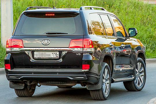 Toyota также не слишком удачно провела год в Татарстане. Ситуация настораживает тем, что упал спрос на три самые востребованные модели