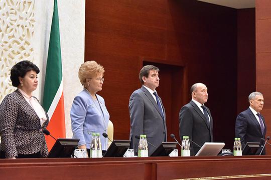 Седьмое заседание Государственного Совета РТ прошло накануне без спикера Фарида Мухаметшина. Зато по традиции на своем месте был президент РТ Рустам Минниханов