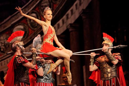 На сайте театра им. Джалиля ее [Кристины Адреевой] имя вновь появилось в разделе «Балерины и премьеры». Значится имя Андреевой и в составах — на «Корсар» (19 марта) и «Лебединое озеро» (22 марта)