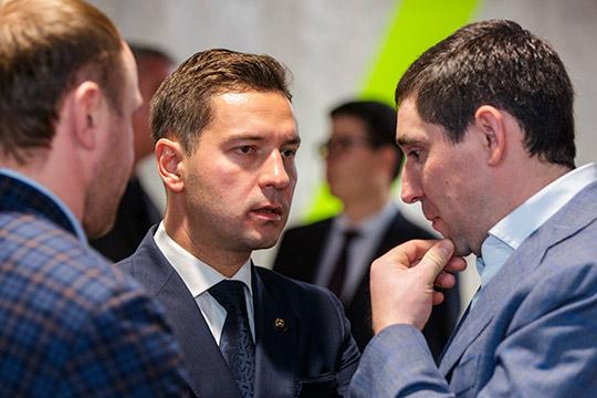 Накануне министр спорта ТатарстанаВладимир Леоновзаявил, что обсуждаетсяидея проведения хоккейного матча на футбольной «Казань Арене»
